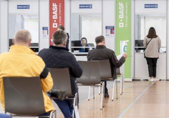 BASF impft Beschäftigte in eigenem Impfzentrum